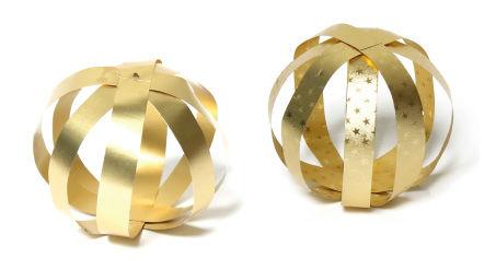 Anleitung - Goldener Weihnachtsschmuck - Streifenkugel