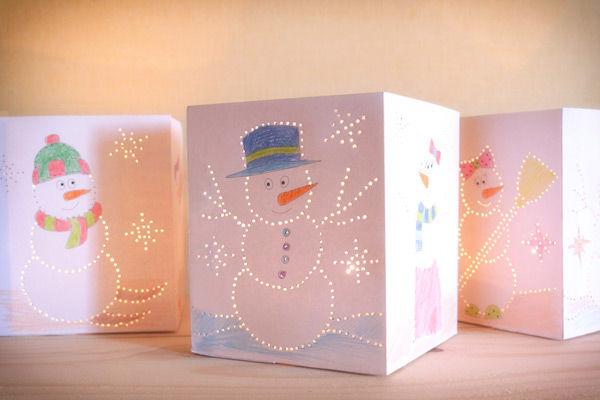 Geprickelte Schneemann-Leuchten
