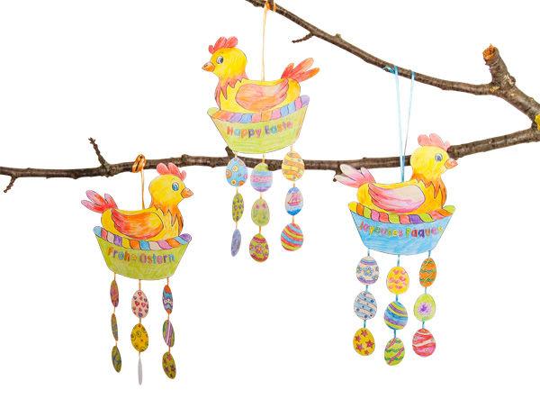 Oster-Mobile mit Henne und bunten Ostereiern basteln