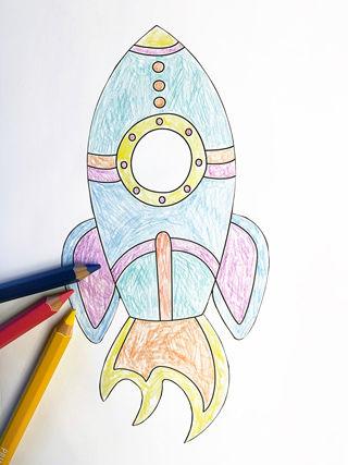 Personalisierte Weltraum-Collagen basteln mit Kindern