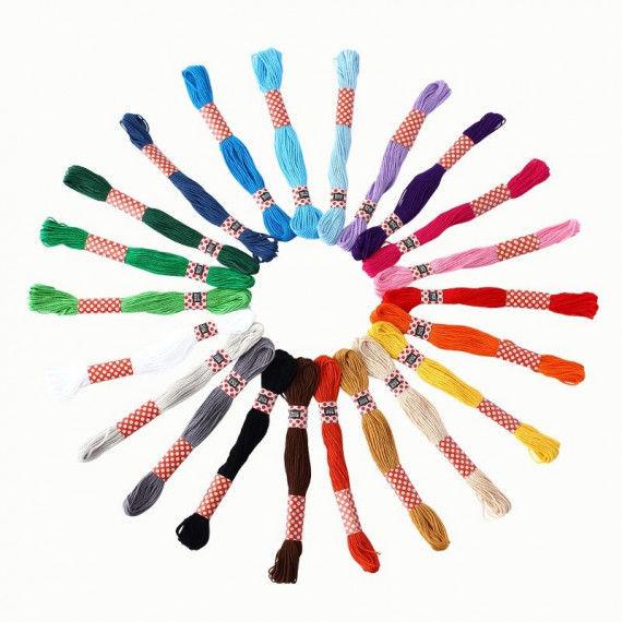 Stickgarn-Set in 22 bunten Farben