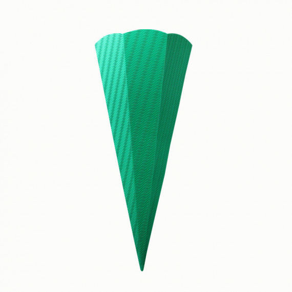 Grüne Schultüte aus Wellpappe