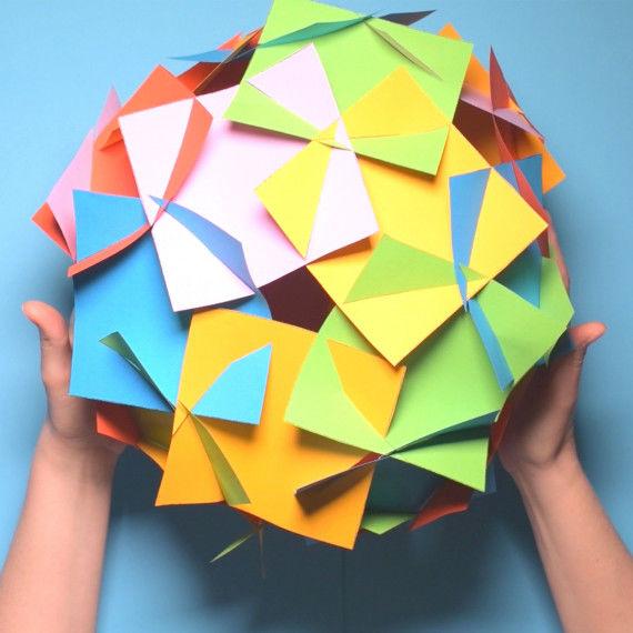 Faszinierender Steckkörper aus Quadraten zusammengesteckt