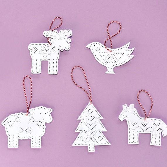 Elch, Vogel, Schaf, Tannenbaum und Pferd als Prickanhänger für den Weihnachtsbaum