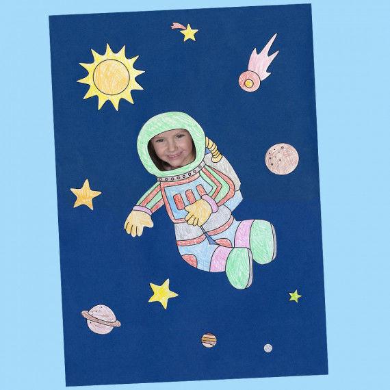Personalisierte Weltall-Collage mit Kinderbild