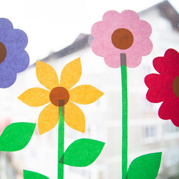 Süße Fensterbilder mit Blumen basteln