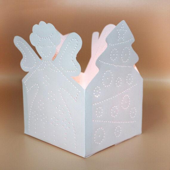 Weihnachtliche Prickellichter zum Basteln für Kinder