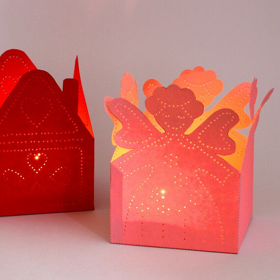 Weihnachtliche Prickellichter mit zarten Mustern für Kinder