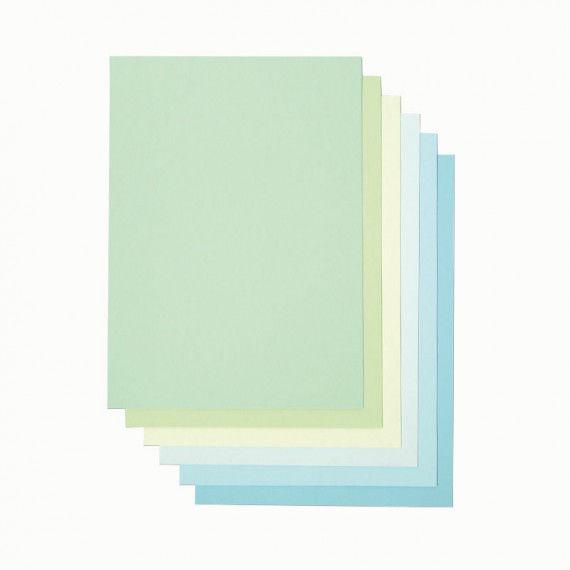 Drucker-Papier in hellen Blau- und Grüntönen