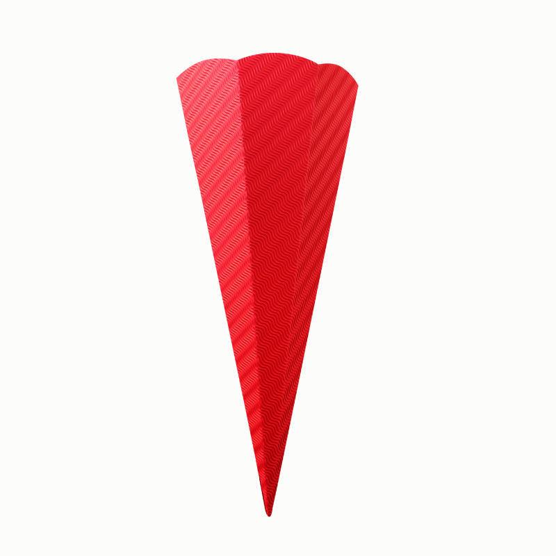 Rote Schultüte aus Wellpappe