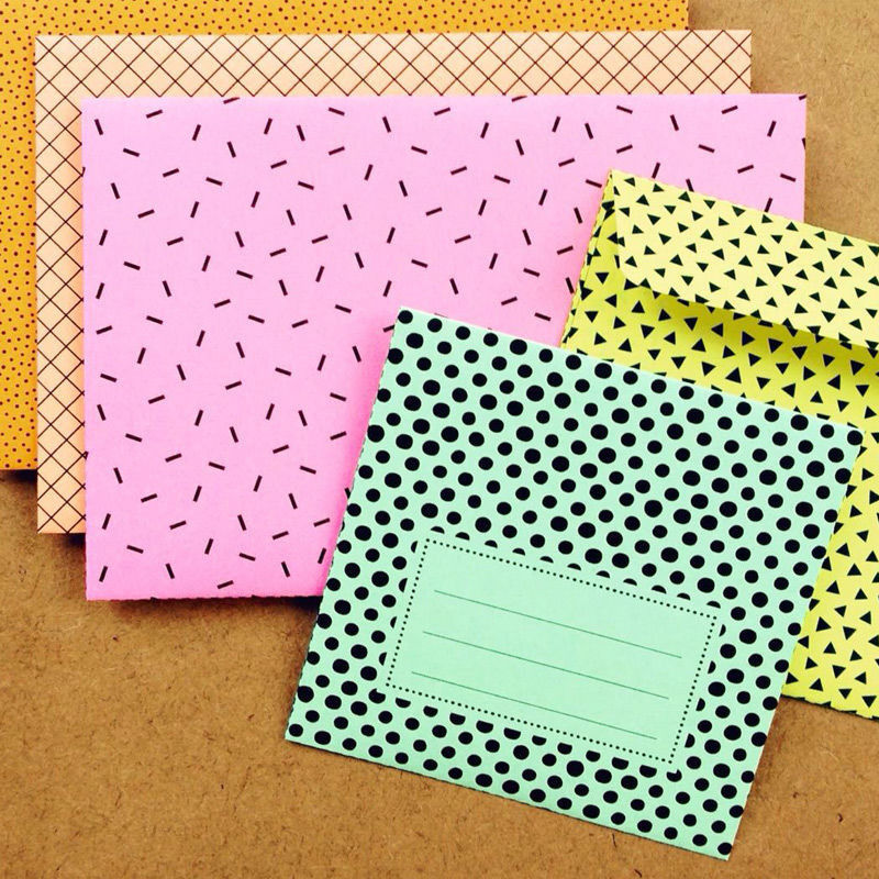 Gemusterte Briefumschläge in zwei Größen