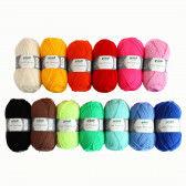 Wolle je 50 g in tollen bunten Farben