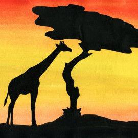 Beeindruckende Safari-Bilder mit Tier- und Baumsilhouetten