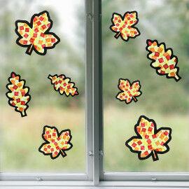 Sun Catcher Herbstblättern im Fenster