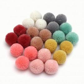 24 Pompons in schönen Pastelltönen