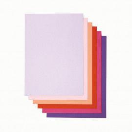 Drucker-Papier in Lila- und Rosatönen