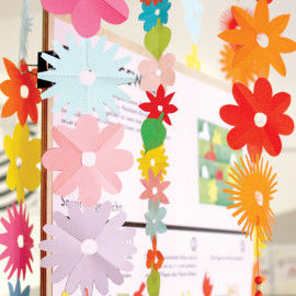 Bunte Blumen aus Papier für Girlanden, Deko und vieles mehr