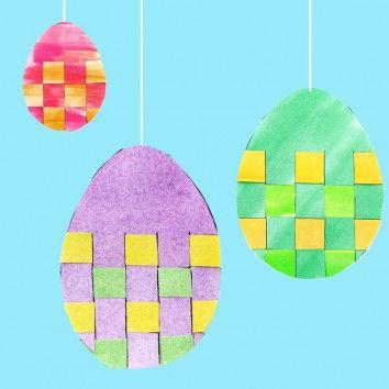 Bunte Flecht-Eier zum Aufhängen basteln