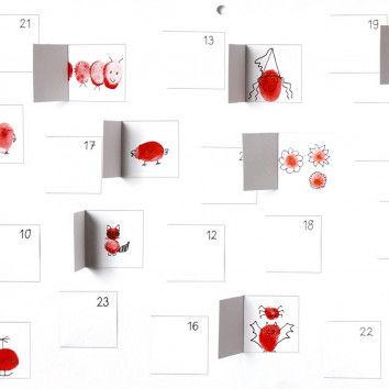 Witzige Fingerprint-Figuren verstecken sich hier hinter den Türchen des Blanko-Adventskalenders